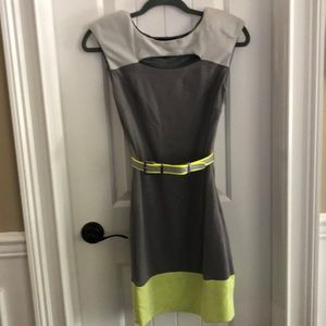 Bebe dress grey with yellow size XS